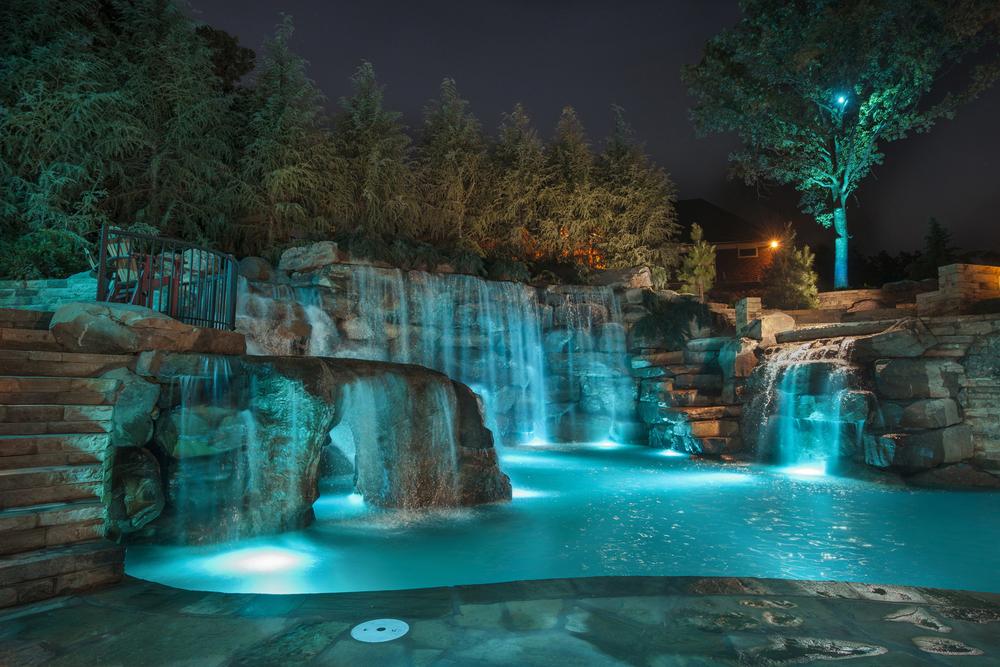 Charming Boulder Pool Caviness