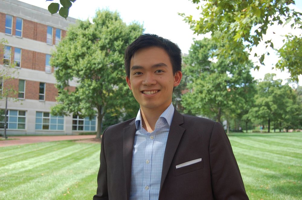 Picture of Steve Chen in front of Smith School of Business.