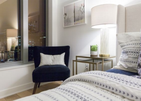 Modern chair in soft velvet + Geometric patterned duvet = Modern meets comfort!  Image source .