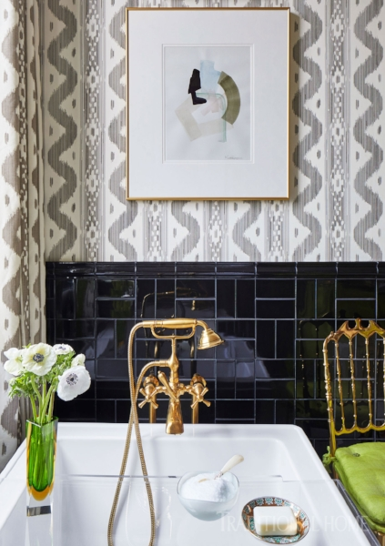 Love the basket weave pattern with this classic subway tile! (   source   )