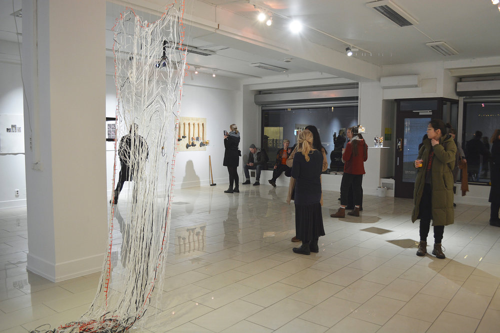a-lick-and-a-promise-vernissage-1-web.jpg