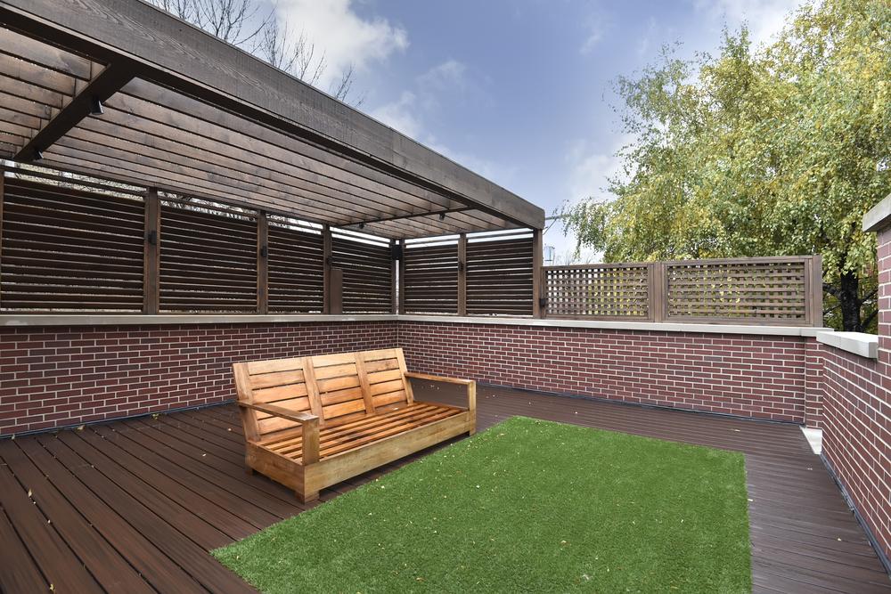 garage deck.jpg