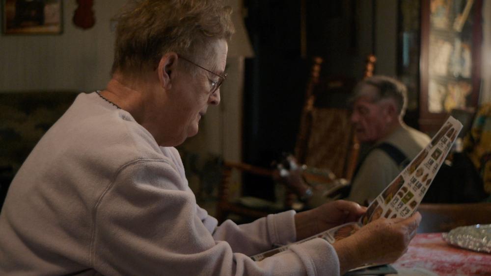 linefork opal-reads-lee-banjo-300dpi.png