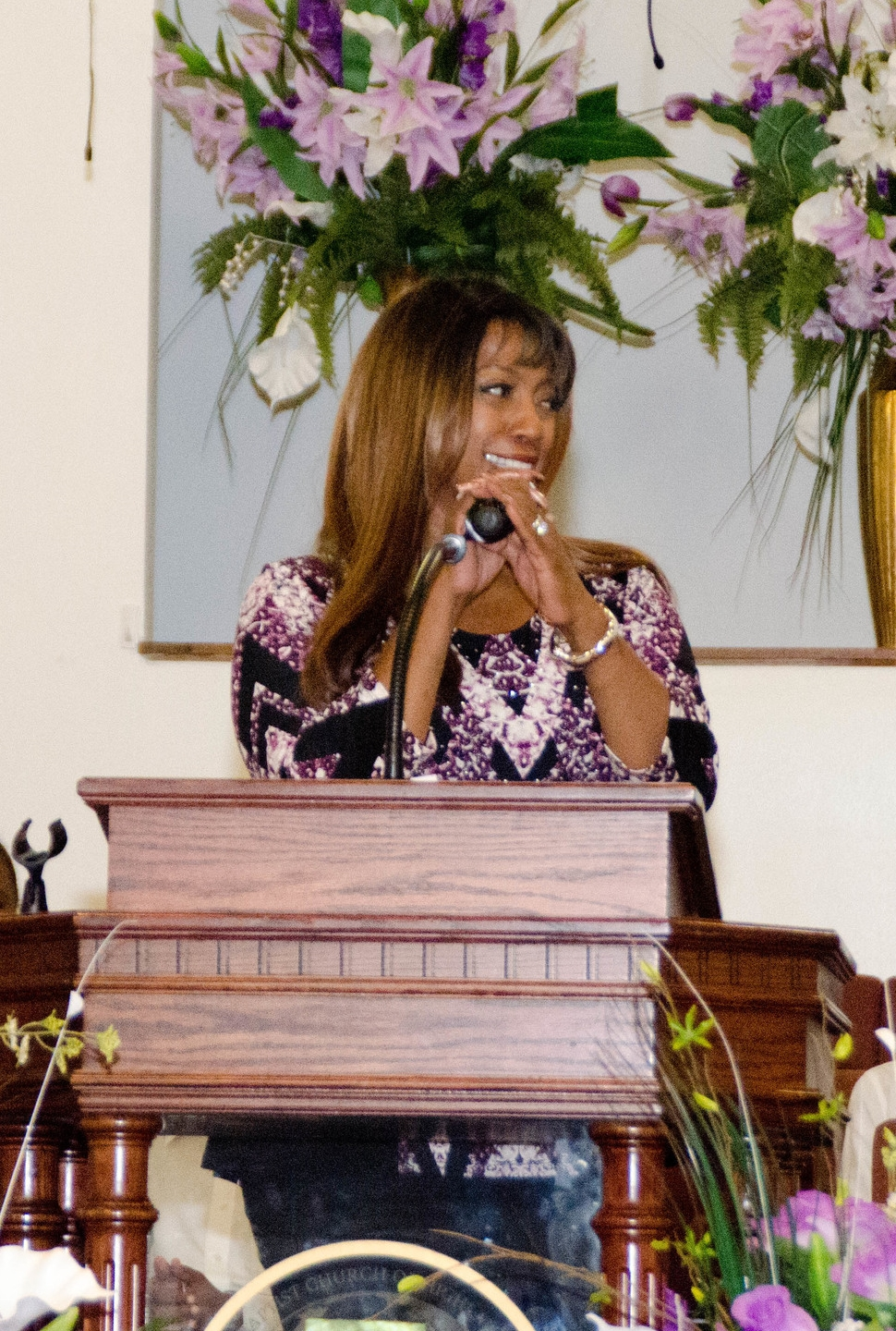 Bern Nadette Stanis sharing at 11:15 service                                 photo: Richard Smalls