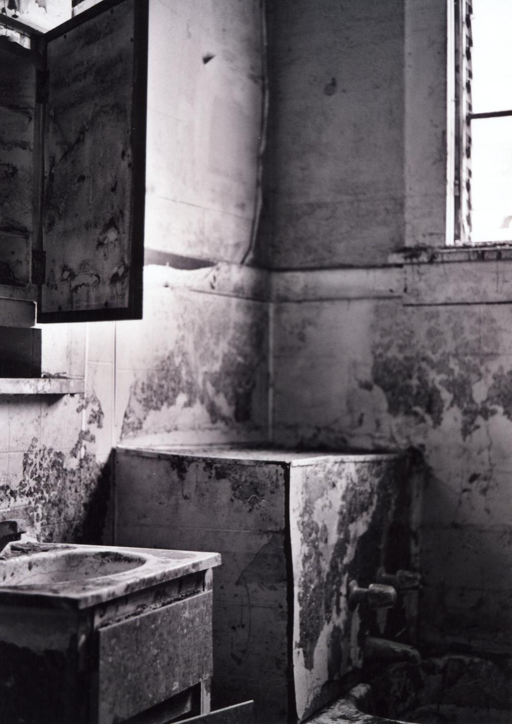 thebathroom.jpg
