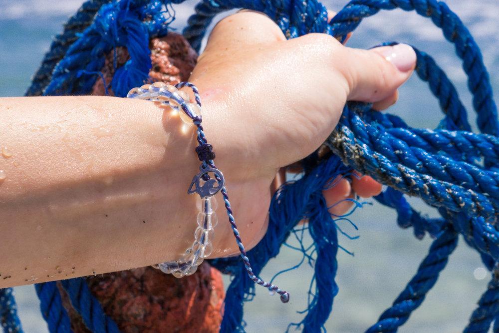 4ocean-whale-bracelet-2.jpg