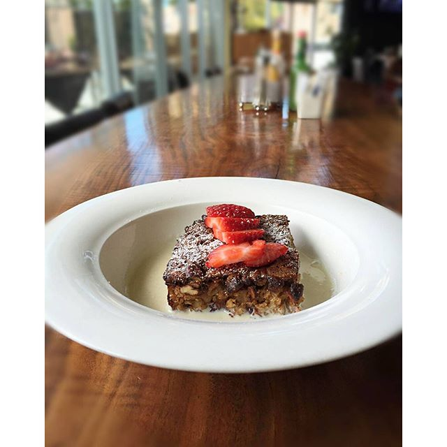🚨 NEW BRUNCH DISH ALERT🚨 Baked Oatmeal with honey cream!! Now available in our brunch menu. Come on by and try this oatmeal with a different take!! #alamedabrunch #alamedafood #yummy