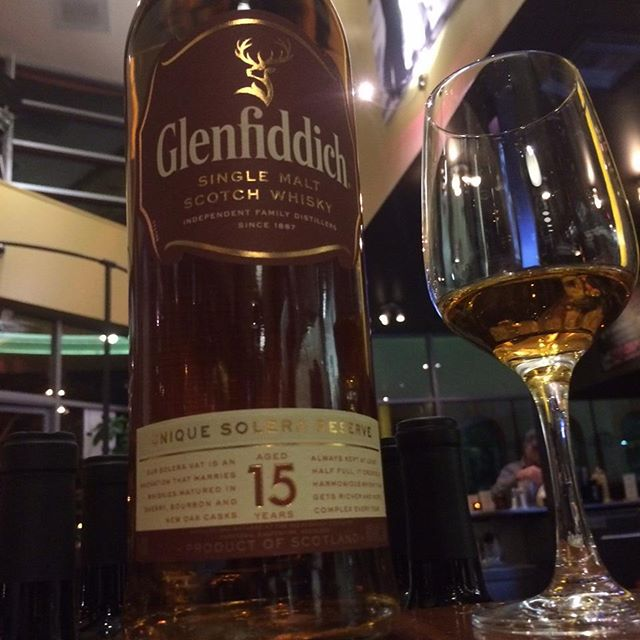Brr!!! Come try Glenfiddich's 15-year-old Solera Reserve #whisky to warm up on these chilly fall nights #alameda #alamedafood #bayareadrinks #whiskey