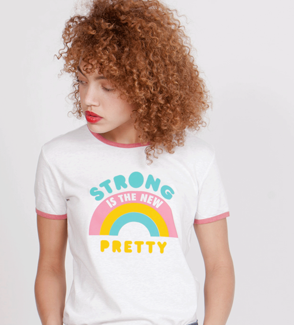 camiseta_strongisthenewpretty.png