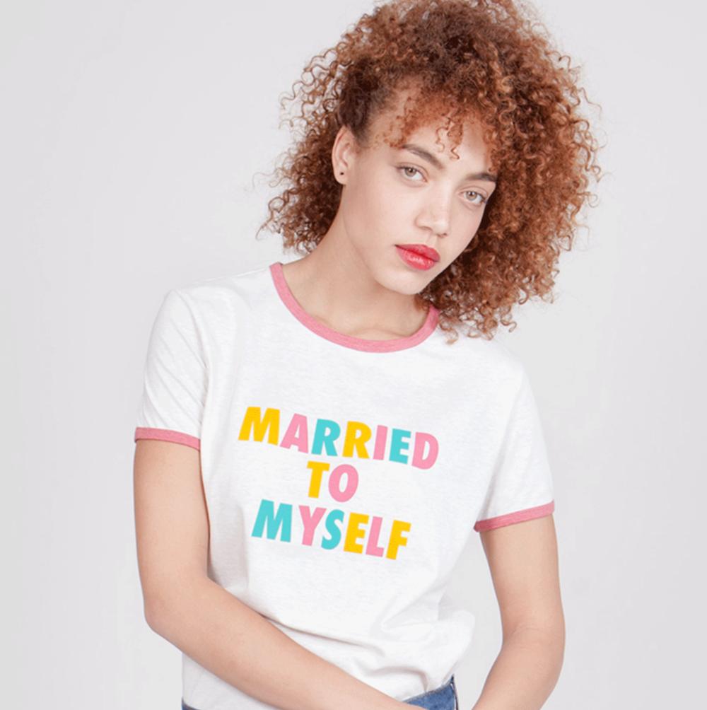 camiseta_marriedtomyself.png