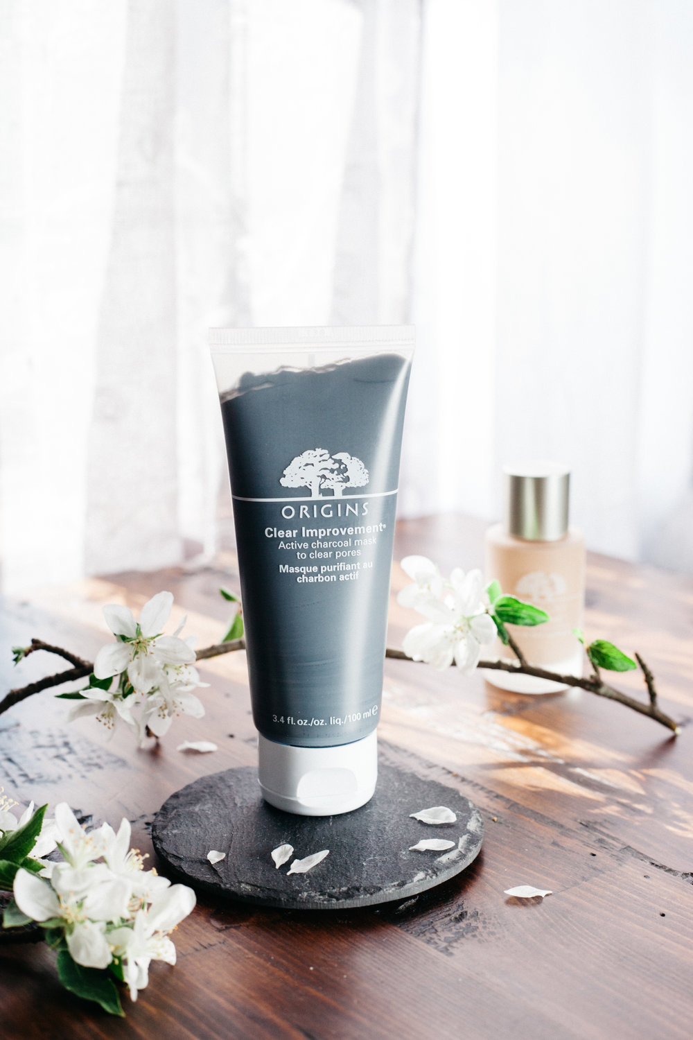 """Nature's complexion clean-up crew clears the way for skin to act its best. Bamboo Charcoal acts like a magnet to draw out deep-dwelling pore-cloggers, White China Clay absorbs environmental toxins, Lecithin dissolves impurities. Skin looks clear, feels perfectly pure."" -Origins"