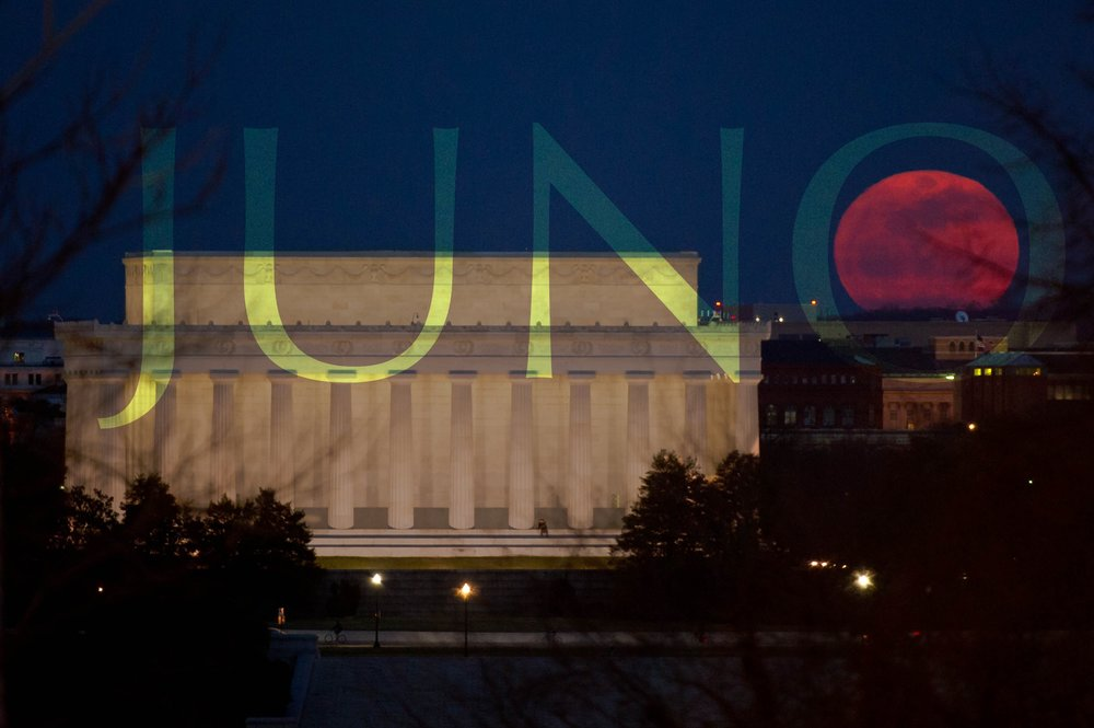 red-moon-over-washington-DC.jpg