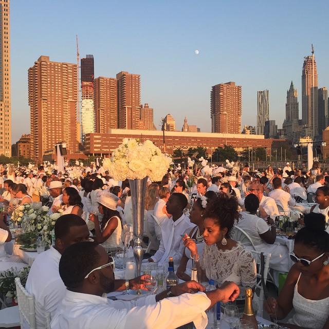 Back to the concrete jungle... like I never left. Dinner en blanc NYC #dinnerenblanc #newyorkcity