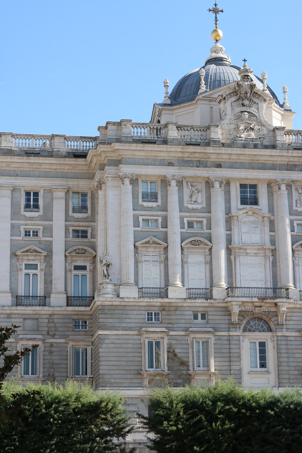 Garden view of el  Palacio Real de Madrid