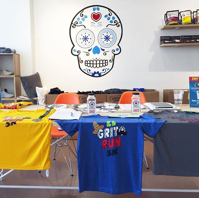 Runners! Our friends from el Grito Run 5k are having their packet pickup at the store until 7pm 👟 #running #sanantonio #elgritorun #sarunningco #runsa #runners #activeliving