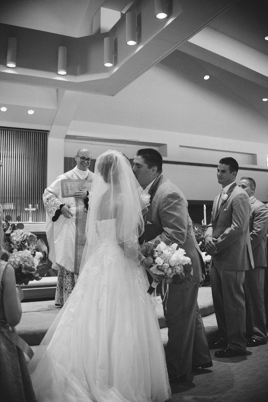 st-charles-catholic-church-fort-wayne-indiana-wedding-photographer-5