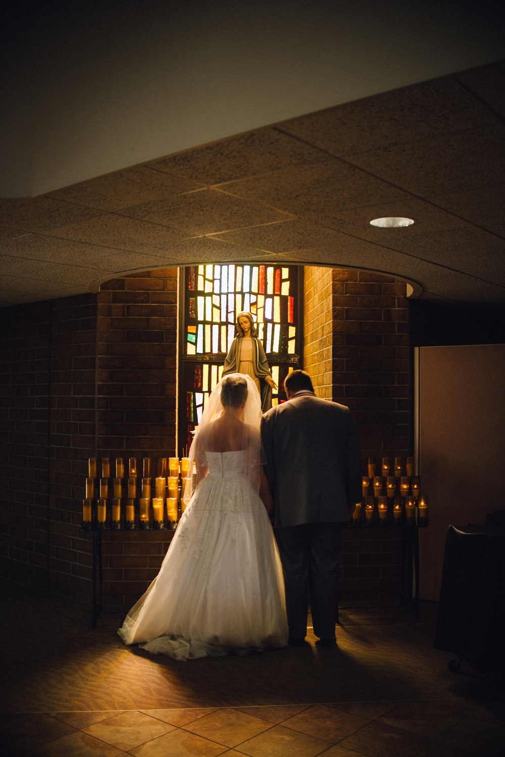 st-charles-catholic-church-fort-wayne-indiana-wedding-photographer-2