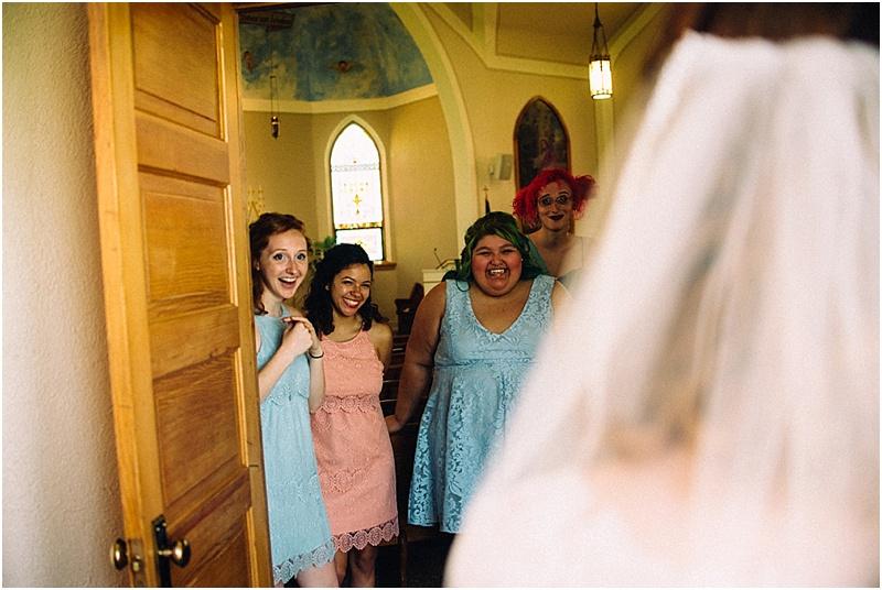 whimsical-midwest-wedding-fort-wayne-wedding-photographer-chapel