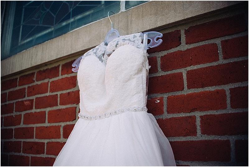 wendys-bridal-whimsical-midwest-wedding-fort-wayne-wedding-photographer-chapel-1
