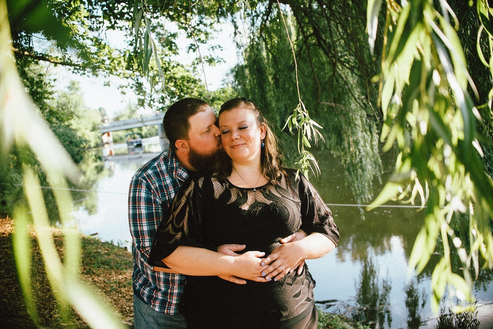 headwaters-park-fort-wayne-engagement-wedding-photographer-8