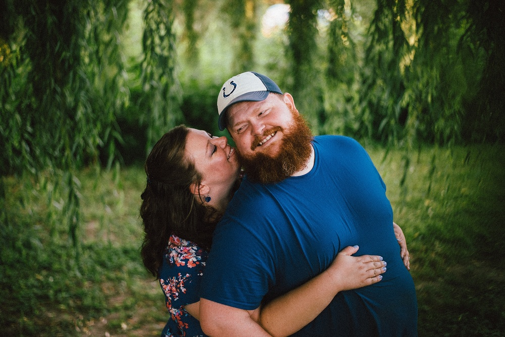 headwaters-park-fort-wayne-engagement-wedding-photographer-15
