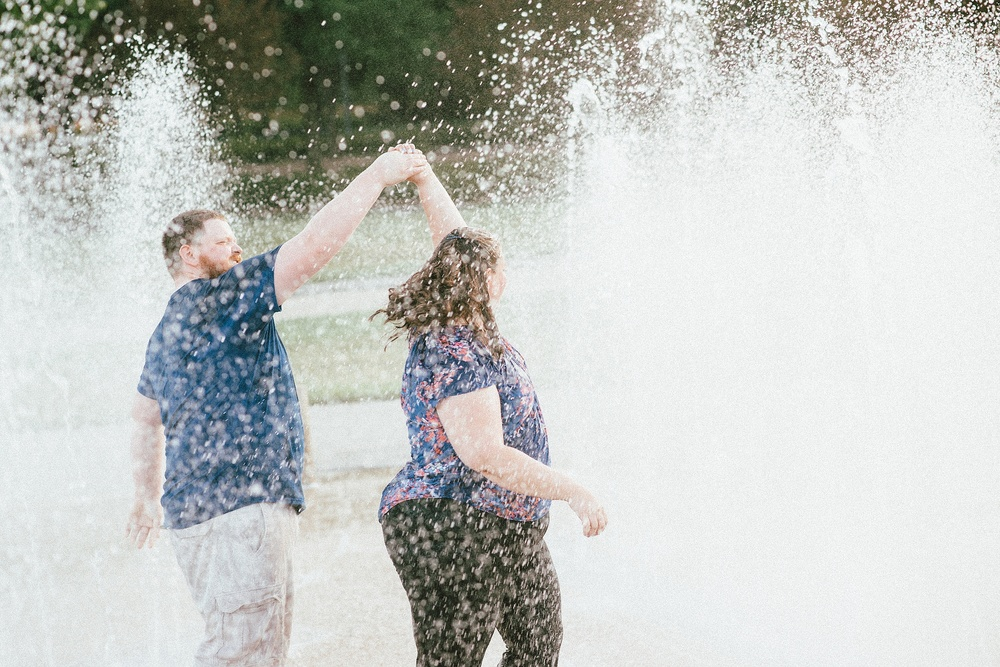 headwaters-park-fort-wayne-engagement-wedding-photographer-21