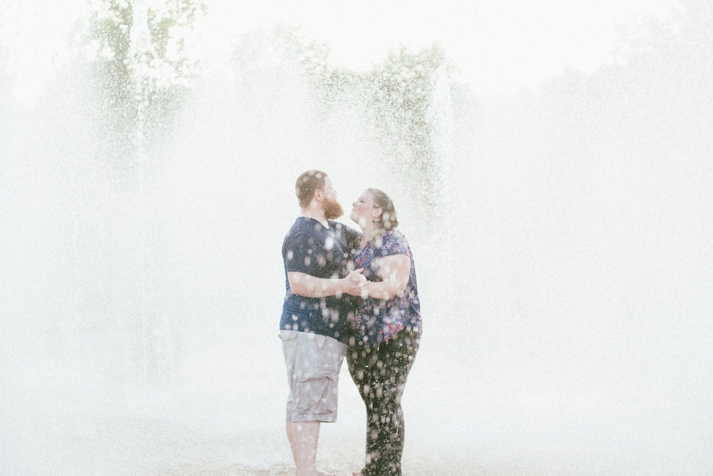 headwaters-park-fort-wayne-engagement-wedding-photographer-23