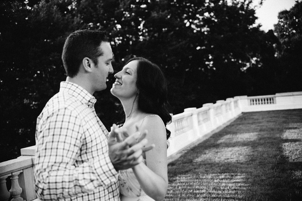 indianapolis-museum-of-art-engagement-session-midwest-wedding-photographer-fort-wayne-14