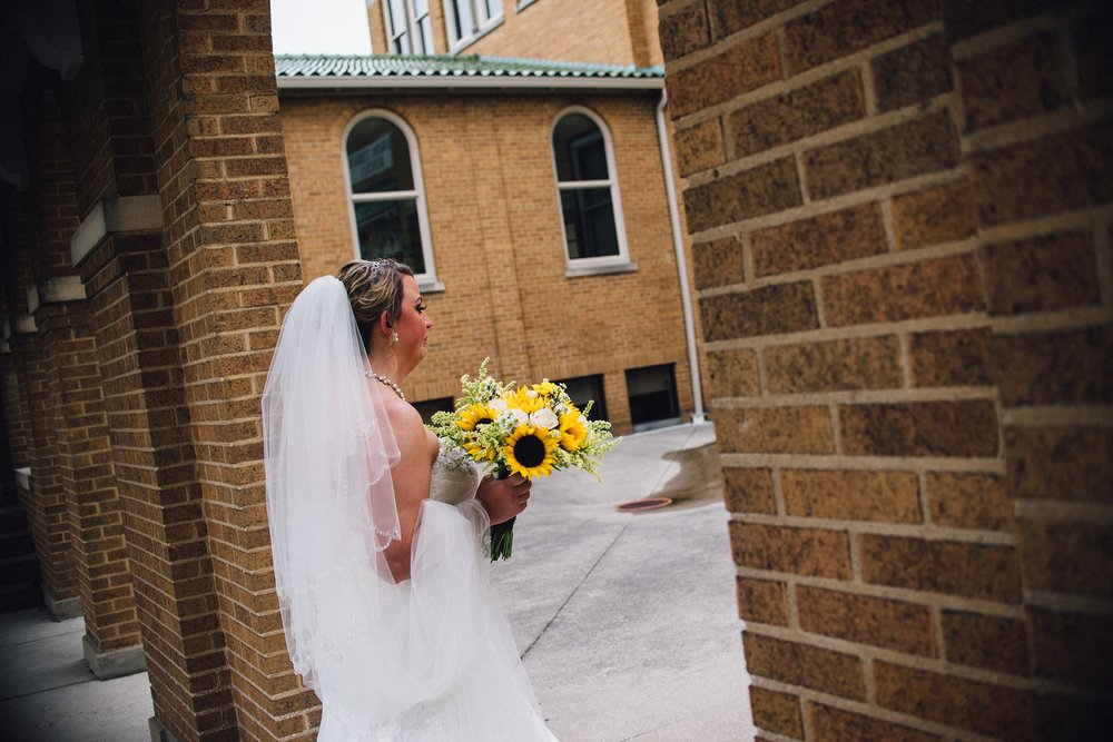 downtown-fort-wayne-wedding-yolos-event-center-courthouse-indiana-photographer-22