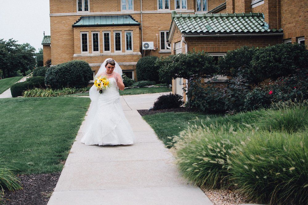 downtown-fort-wayne-wedding-yolos-event-center-courthouse-indiana-photographer-21