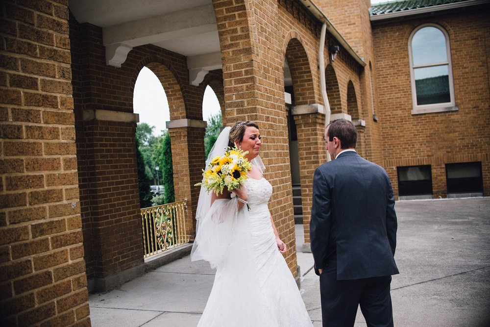 downtown-fort-wayne-wedding-yolos-event-center-courthouse-indiana-photographer-23