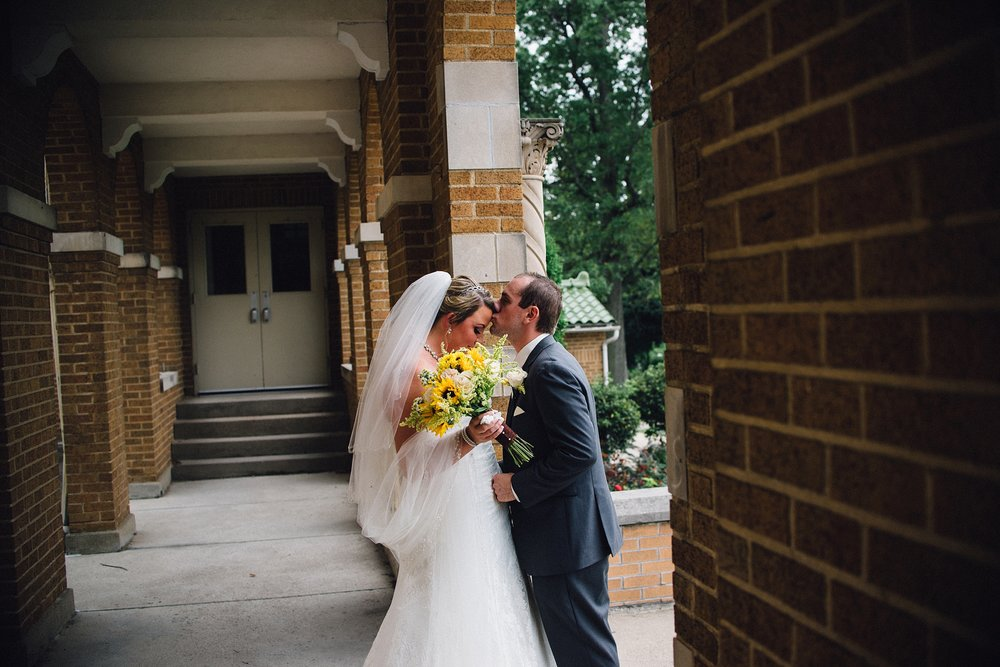 downtown-fort-wayne-wedding-yolos-event-center-courthouse-indiana-photographer-28
