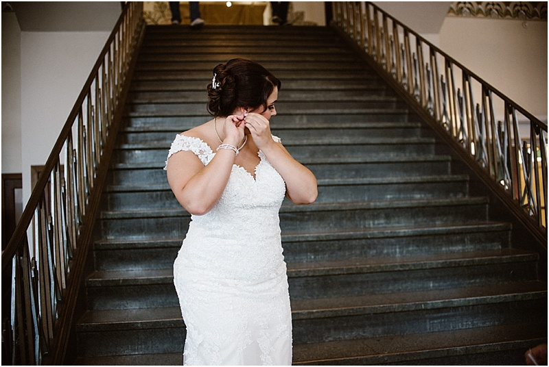 elegant-auburn-cord-duesenberg-museum-wedding-fort-wayne-photographer-10