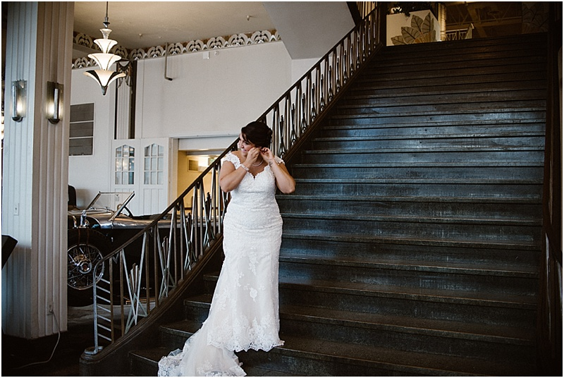 elegant-auburn-cord-duesenberg-museum-wedding-fort-wayne-photographer-11
