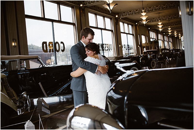 elegant-auburn-cord-duesenberg-museum-wedding-fort-wayne-photographer-31