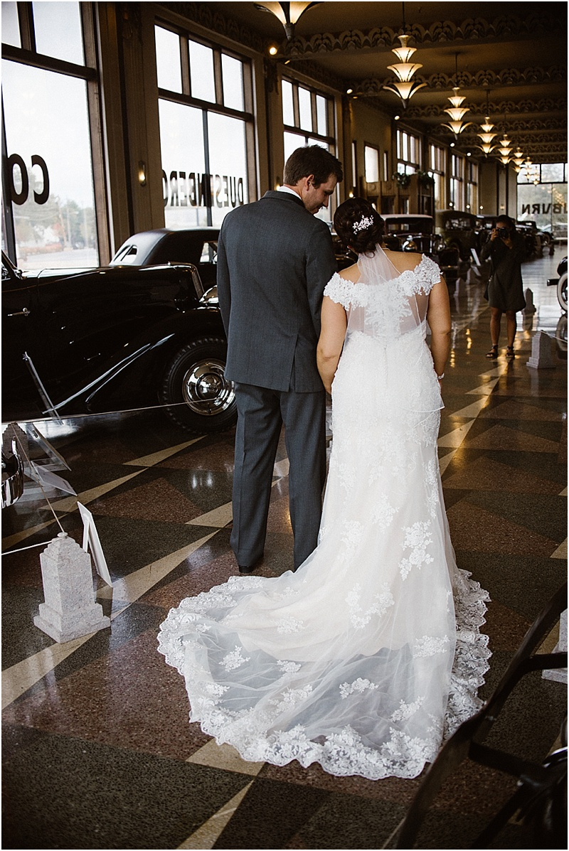 elegant-auburn-cord-duesenberg-museum-wedding-fort-wayne-photographer-36
