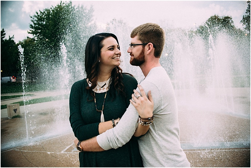 headwaters-park-couples-session-fort-wayne-indiana-wedding-photographer-11