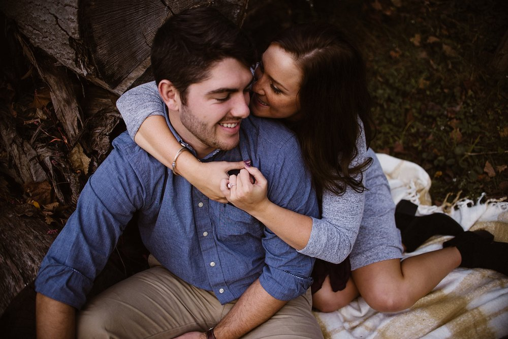 cozy-indianapolis-fall-engagement-session-midwest-wedding-photographer-12