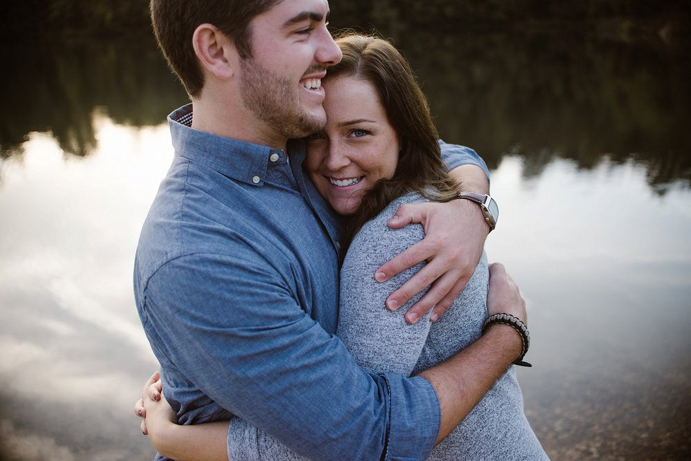 cozy-indianapolis-fall-engagement-session-midwest-wedding-photographer-18