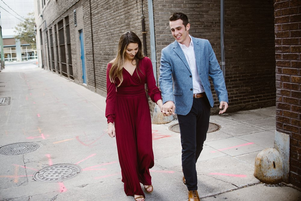 downtown-fort-wayne-autumn-engagement-pictures-fort-wayne-photographer-2