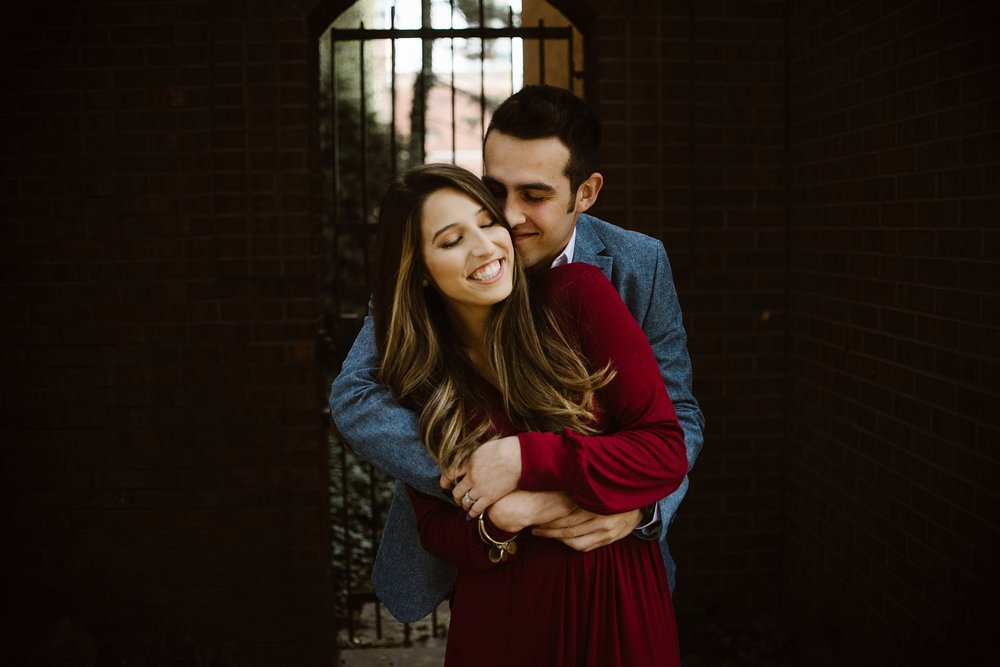 downtown-fort-wayne-autumn-engagement-pictures-fort-wayne-photographer-6