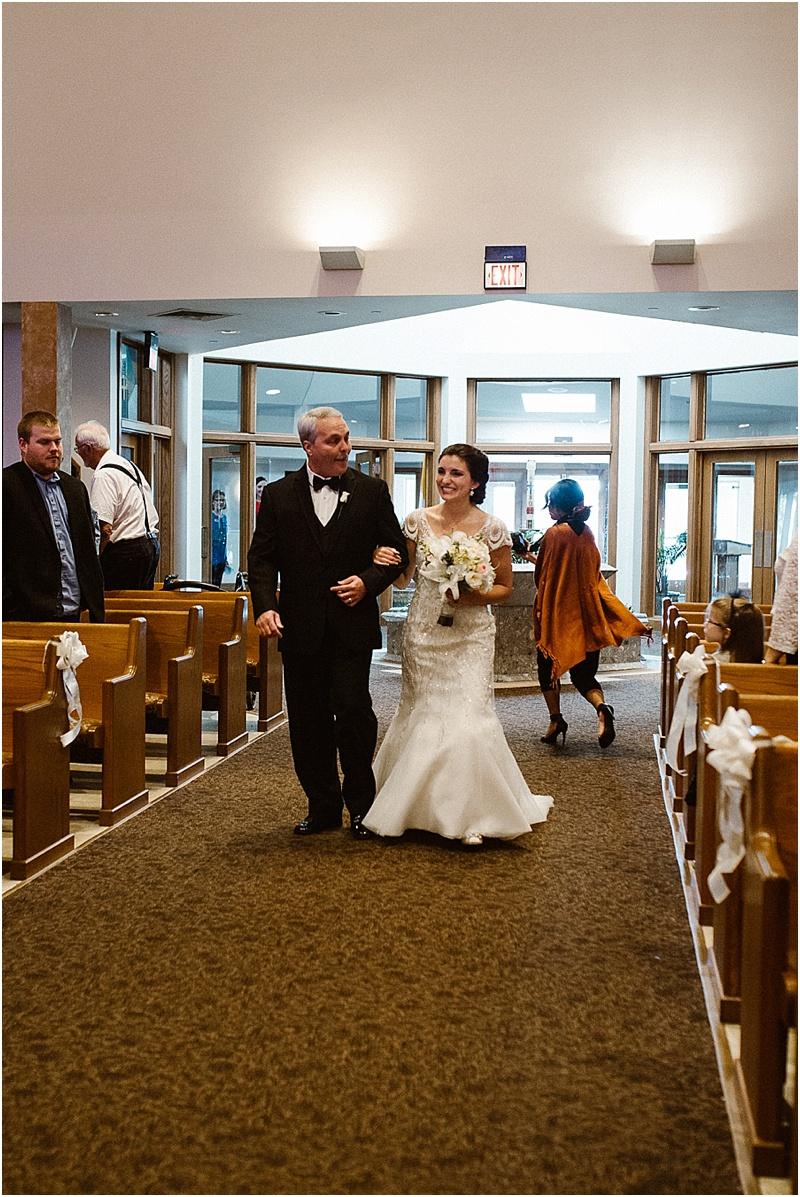 neutral-glam-cerutis-summit-park-diamond-room-wedding-fort-wayne-photographer-21