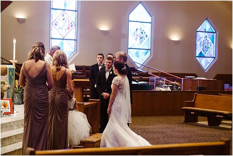 neutral-glam-cerutis-summit-park-diamond-room-wedding-fort-wayne-photographer-23
