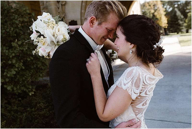 neutral-glam-cerutis-summit-park-diamond-room-wedding-fort-wayne-photographer-35