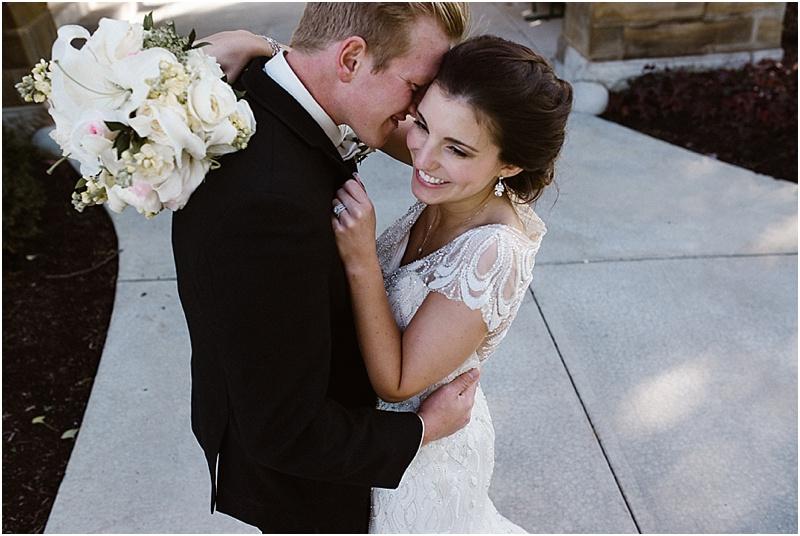 neutral-glam-cerutis-summit-park-diamond-room-wedding-fort-wayne-photographer-36