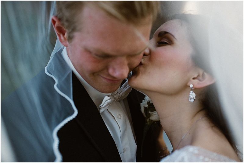 neutral-glam-cerutis-summit-park-diamond-room-wedding-fort-wayne-photographer-39