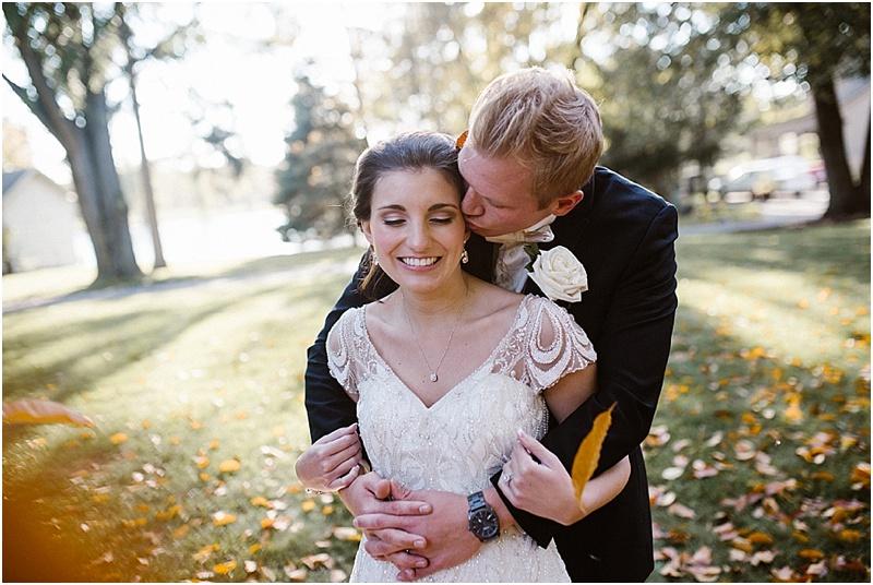 neutral-glam-cerutis-summit-park-diamond-room-wedding-fort-wayne-photographer-42