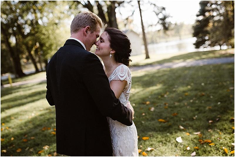 neutral-glam-cerutis-summit-park-diamond-room-wedding-fort-wayne-photographer-44