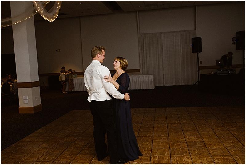 neutral-glam-cerutis-summit-park-diamond-room-wedding-fort-wayne-photographer-64