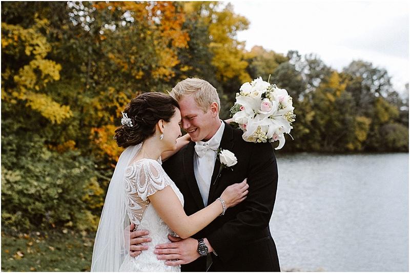 neutral-glam-cerutis-summit-park-diamond-room-wedding-fort-wayne-photographer-18